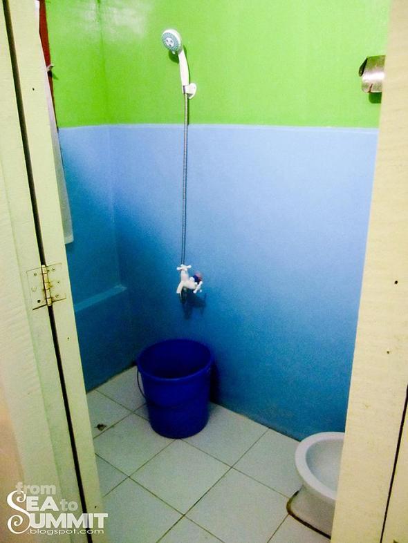 Tay Miloy's Inn bathroom