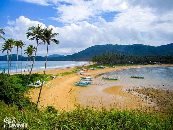Twin beach in Nacpan, El Nido